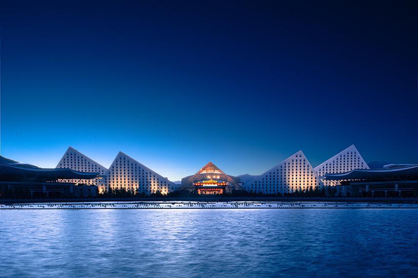 拉萨洲际酒店.jpg